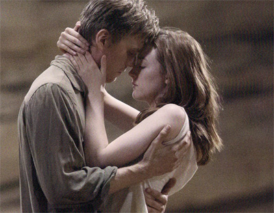 This still from the movie is actually very representative of how believable the romance in The Host is.